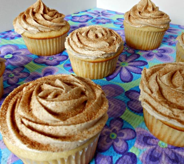 Easy Vanilla Cupcakes I