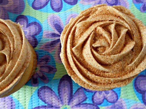 Easy Vanilla Cupcakes II